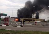 Появилось видео крупного пожара около АЗС на левом берегу Воронежа