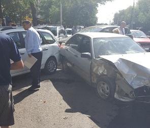 Очевидцы: Пьяный водитель «Ауди» собрал на «встречке» три машины в Воронеже