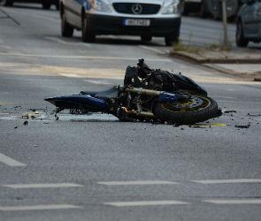 На трассе в Воронежской области разбился мотоциклист