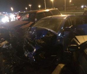 Под Воронежем водитель внедорожника протаранил две машины и сбежал