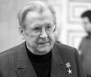 В Платоновском сквере Воронежа откроют памятник политику Виталию Воротникову
