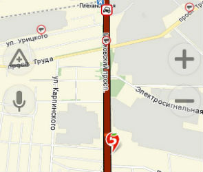 Московский проспект оказался парализован из-за ДТП с грузовиком