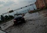 Воронежцы публикуют фото и видео последствий сильного ливня, затопившего город