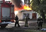 Опубликованы видео и фото крупного пожара около детсада на левом берегу Воронежа