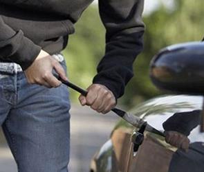 Воронежец украл и продал за 12 000 рублей машину, чтобы расплатиться с долгами