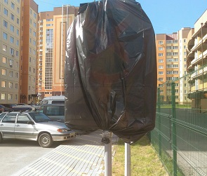 Воронежцам запретили парковаться возле своих домов в ЖК «Московский квартал»