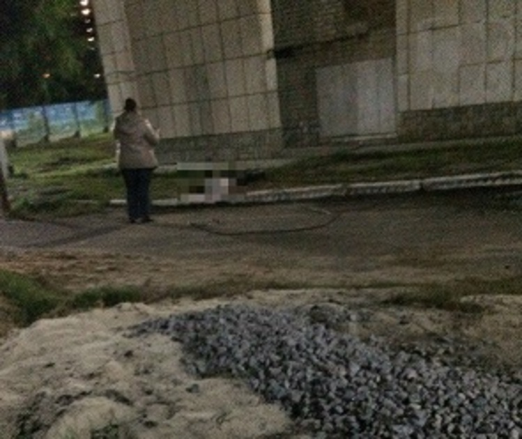 Воронежцы: Перед падением из окна общежития 19-летний парень принял дозу