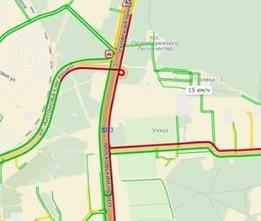 Движение на выезде из Воронежа затруднено уже несколько часов