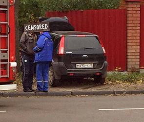 Страшное ДТП у виадука в Воронеже: водитель умер за рулем, Форд протаранил забор