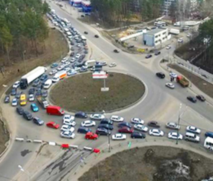 В Воронеже ремонт развязки на улице 9 Января затягивается