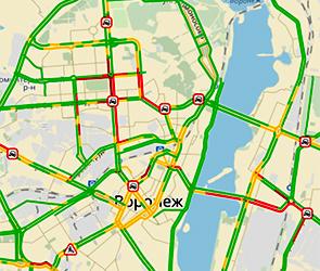 Воронеж в пятницу вечером сковали 8-балльные пробки из-за дождя и аварий