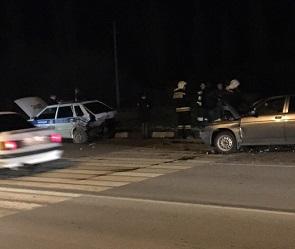 На видео попали последствия массовой аварии с машиной ДПС под Воронежем