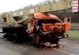 На видео попало страшное ДТП с автокраном в Воронежской области