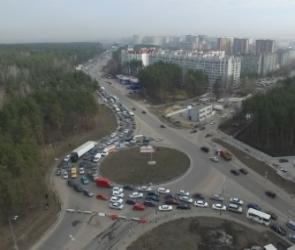Сроки завершения реконструкции развязки на 9 Января в Воронеже снова перенесли