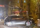 Воронежцы: дама на «Лексусе», уходя от погони, снесла забор у медуниверситета