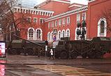 В интернете появились фото зениток, пушек и БТРов в центре Воронежа