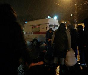 Очевидцы: на переходе в Воронеже сбили женщину, пострадавшая в реанимации