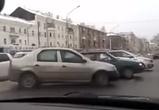 Воронежцы сняли на видео массовый разворот через разделительную полосу