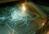 Под Воронежем 23-летняя девушка разбила камнем иномарку пожилого соседа