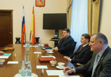 Губернатор поручил растить в Воронеже профессиональных хоккеистов