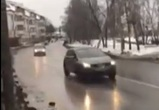 Воронежцы обсуждают видео с коляской на пешеходном переходе