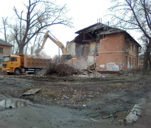 На улице Димитрова в Воронеже начали сносить аварийные дома