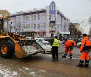 В четверг в Воронеже максимально очистят от снега тротуары и остановки