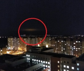 Воронежцы сфотографировали необычный светящийся объект над городом