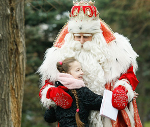 К воронежским детям на два дня приехал Дед Мороз из Великого Устюга