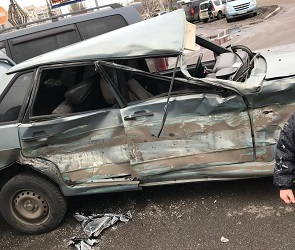 В ДТП с фурой на Димитрова пострадал 59-летний воронежец