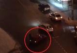 Воронежцы сняли на видео «летающую красную машинку»