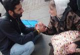 Воронежцам предлагают вручить новогодние подарки бездомным людям