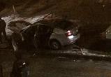В Воронеже по неясным причинам сгорела припаркованная на тротуаре машина,  видео