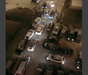 В Воронеже после открытия новой школы на Шишкова появились огромные пробки