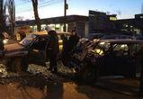 В Воронеже водителя «семерки» зажало в машине после ДТП