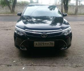 В Воронеже мужчина в маске угнал автомобиль на глазах у хозяина