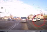 В Воронеже на виадуке сбили женщину: момент ДТП попал на видео