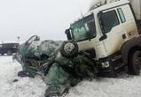 Под Воронежем на трассе МАН раздавил «Ладу Гранту»: погибли два человека