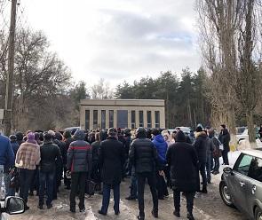 Сотни людей пришли проститься с DJ Sergeev на Юго-западном кладбище