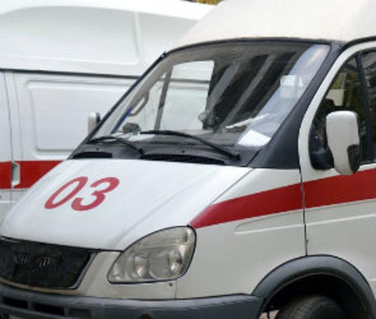 В Воронеже микроавтобус сбил на тротуаре 7-летнюю девочку