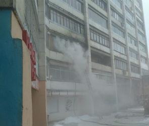 В Воронеже на пожаре в многоэтажке пострадал мужчина