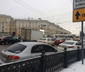 Движение в центре Воронежа парализовано из-за неисправных светофоров