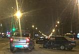 В Воронеже на левом берегу в массовом ДТП с микроавтобусом ранены двое – видео