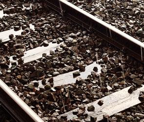 На окраине Воронежа поезд сбил неизвестного парня: подробности страшного ЧП