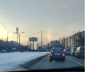 Воронежцев удивила зимняя «радуга» - фото