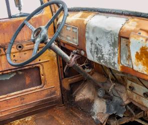 В Воронеже 20-летний парень угнал «семерку», чтобы сдать ее на металлолом