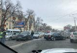 Движение в Северный микрорайон парализовано из-за нескольких аварий