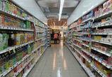 Жительницы Воронежа крали продукты в магазинах, проталкивая корзины внизу касс