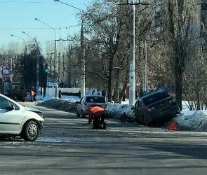 Улицы Ленинградская и Димитрова встали в пробке из-за ДТП