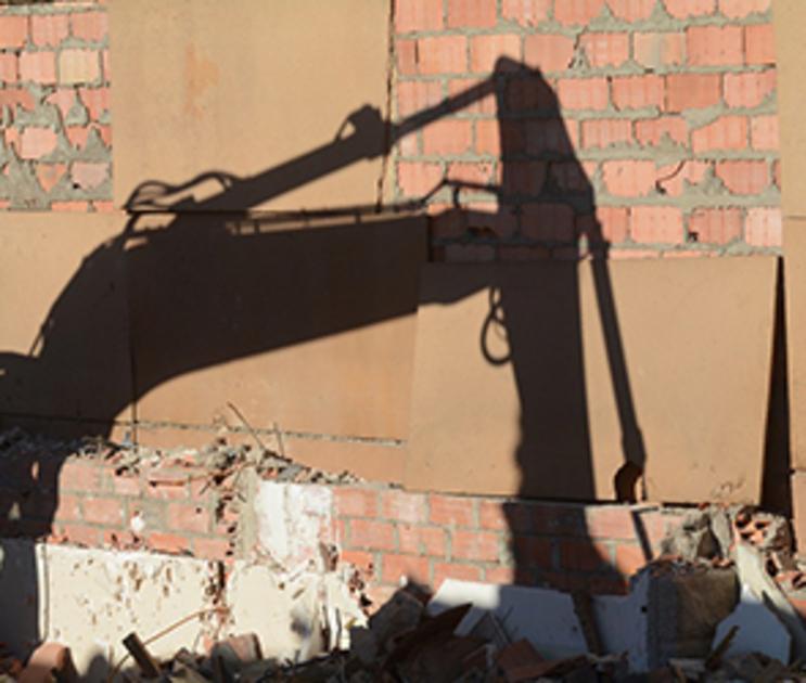 В Воронеже снесут киоск, незаконное разрешение на размещение которого выдала УК